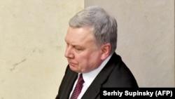 Міністр оборони також нагадав, що черговий призов на строкову службу указом президента перенесений із квітня-червня на травень-липень 2020 року