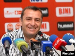 Armenia -- Vardan Minasyan-Chief Coach of the National Football Team of Armenia at a press conference, 09 September, 2011