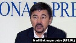 Маргулан Сейсембаев, бывший председатель совета директоров «Альянс банка». Алматы, 11 ноября 2010 года.