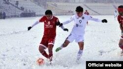 Бозӣ дар чунин шароит барои футболбозони тоҷик ғайримуқаррарӣ аст.