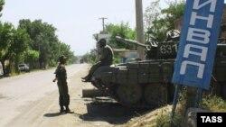 """На парламентских выборах самыми популярными будут военно-патриотические лозунги. Многие при этом будут ссылаться на абхазский опыт, где уже давно на официальном уровне используется термин """"Отечественная война народа Абхазии"""""""
