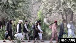 شماری از زندانیان گروه طالبان که از سوی حکومت افغانستان رها شده اند. August 13, 2020