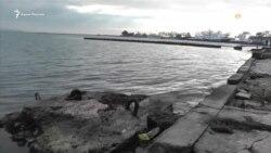 Захваченные Россией украинские корабли держат в керченском порту (видео)
