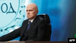 Popular late-night talk show host and folk-pop singer Slavi Trifonov heads the There Is Such A People party. (file photo)