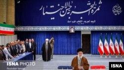 Ayatollah-ul Khamenei votează în alegerile parlamentare, Iran, 21 februarie 2020.