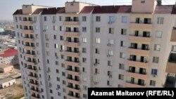 Микрорайон Алмагуль в Атырау. Вид с 16-го этажа. 17 августа 2010 года.