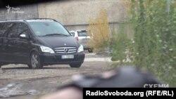 Охорона Віктора Медведчука чергує біля VIP-терміналу