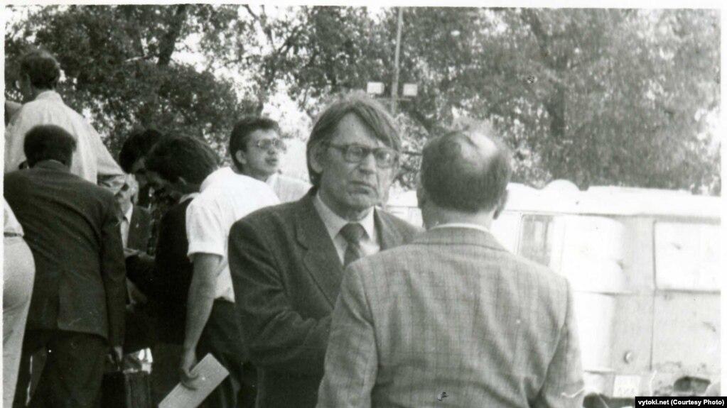 Мікола Ермаловіч (на пярэднім пляне ў цэнтры)