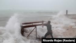 Этой осенью ураганы несколько раз ударяли по побережью Мексиканского залива США