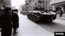 Sovet qoşunu Bakıda - 1990