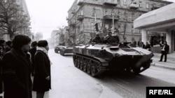 Танки на улицах Баку в январе 1990
