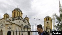 Xhami dhe kisha në Ferizaj