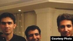 احمد قصابان، مجيد توکلی و احسان منصوری، سه فعال دانشجویی پس از گذشت بیش از یک سال آزاد شدند.