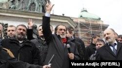 Vuk Drashkoviq gjatë fushatës në Serbi...