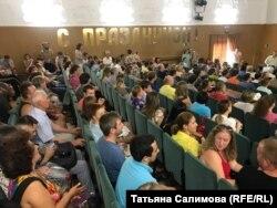 Более 300 человек пришли на общественные слушания в Томском районе