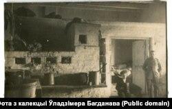 Інтэр'ер хаты музыкі-гарманіста на Смаргоншчыне