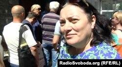 Жителька Донецька у черзі за російським паспортом