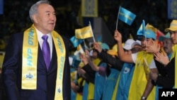 Kazakhstan -- President Nursultan Nazarbaev arrives to attend a forum of his Nur Otan party in the capital Astana, 16Jan2012