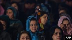 غنی: اشتراک زنان در انتخابات برای ختم خشونت علیه آنها مؤثر است