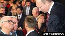 Встреча Владимира Путина с доверенными лицами. Слева – Никита Михалков, президент Московского кинофестиваля