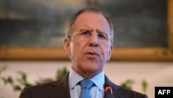 Sergei Lavrov gjatë konferencës për shtyp sot në Londër