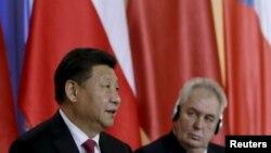 Кытайдын жетекчиси Си Цзиньпин менен Чехия президенти Милош Земан