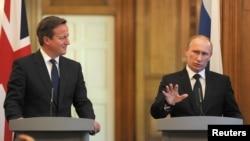 Британия Бош вазири Дэвид Кэмерон ва Россия Президенти Владимир Путин якшанба куни учрашди.