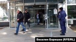 Прокурори и полицаи влязоха в Държавната комисия по хазарта още миналата седмица