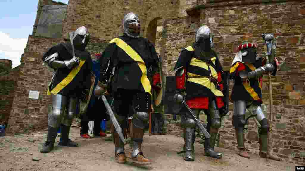 Лицарі готуються до поєдинку