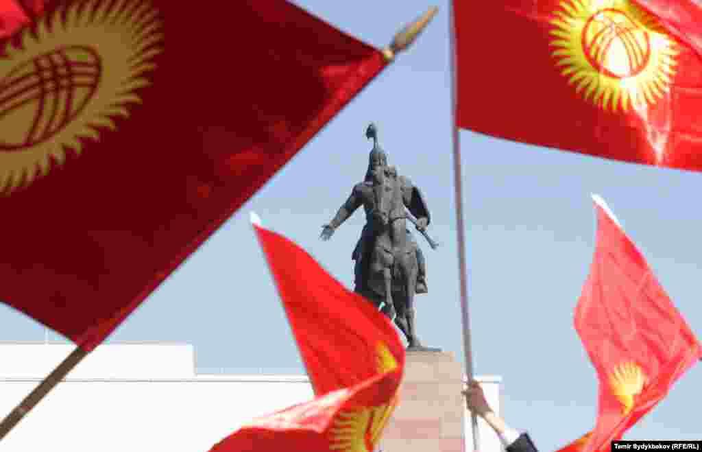 Ак-калпак - традиционный высокий головной убор кыргызских мужчин, имеющий очень долгую историю.