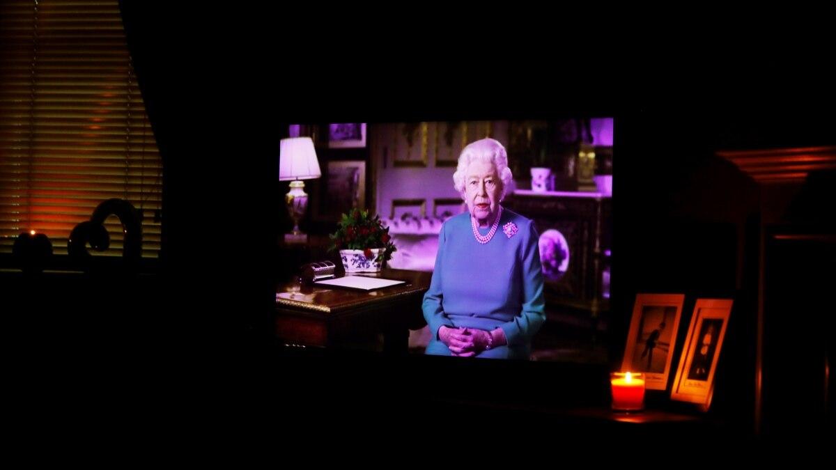 Елизавета II выступила со специальным обращением к народу из-за эпидемии коронавирус