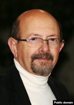Володимир Паніотто