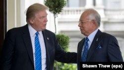 دونالد ترامپ (چپ) پس از دیدار با نخستوزیر مالزی در واشینگتن بار دیگر به کره شمالی حمله کرد.