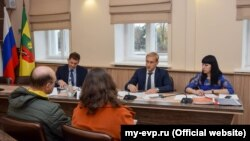 Евпаторийские активисты на встрече с мэром Андреем Филоновым, 20 ноября 2017 года