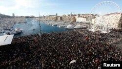 Многотысячная акция в Марселе
