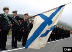 Торжественная церемония в Видяево, недалеко от Мурманска, на базе атомной подводной лодки Курск.