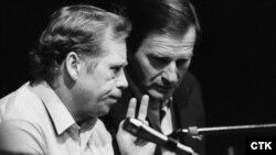 Vaclav Havel și Peter Miller, 1989.