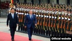 Қазақстан президенті Нұрсұлтан Назарбаев пен Қытай президенті Си Цзиньпин. Пекин, 31 тамыз 2015 жыл.