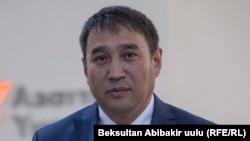 Рахат Сулайманов.