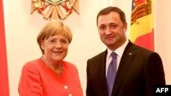 Cancelarul Angela Merkel la conferința de presă de la Chișinău împreună cu premierul Vlad Filat