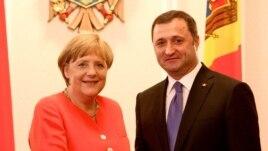Cancelarul Germaniei, Angela Merkel, cu premierul Vladimir Filat, la Chișinău