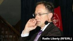 کرستوفر چمبرز سخنگوی موریتس یوخیمز نماینده ملکی ناتو در افغانستان