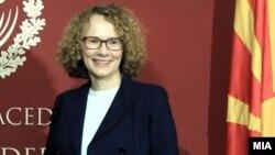 Министерката за одбрана, Радмила Шекеринска денеска