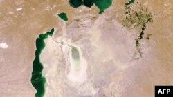 Арал теңізінің ғарыштан түсірілген суреті. Енвисат, 10 шілде, 2009 жыл.