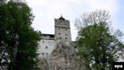 اين قلعه در سال های اخير به خاطر لوکيشن آن مورد توجه تهيه کنندگانی بوده که علاقمند به ساختن فيلم هايی درباره شخصيت دراکولا و تم های مشابه هستند.