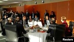 Лідери США і п'яти країн ЄС під час зустрічі в Берліні, 18 листопада 2016 року
