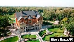 Колишня резиденція експрезидента України Віктора Януковича «Межигір'я»
