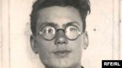 Кронид Любарарский в молодости (фото с сайта www.igrunov.ru)
