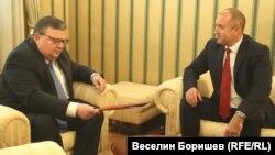 Сотир Цацаров бе първият поканен от президента, за да обсъдят очакванията към следващия главен прокурор.