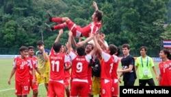 Юношеская сборная Таджикистана празднует победу над сборной Южной Азии